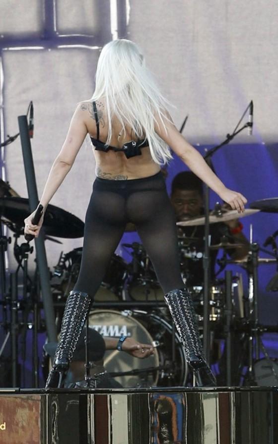 Lady Gaga 2011 : lady-gaga-hot-performance-at-the-jimmy-kimmel-live-04