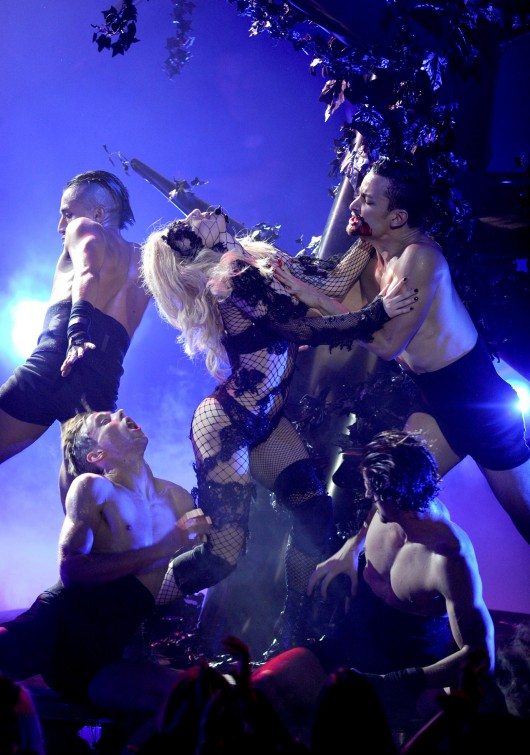 lady-gaga-performance-pics-on-american-idol-hq-2010-04