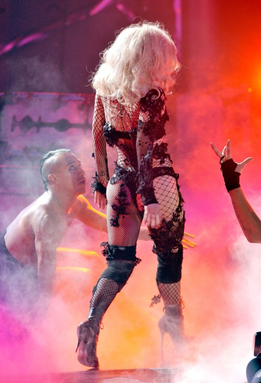 lady-gaga-performance-pics-on-american-idol-hq-2010-12