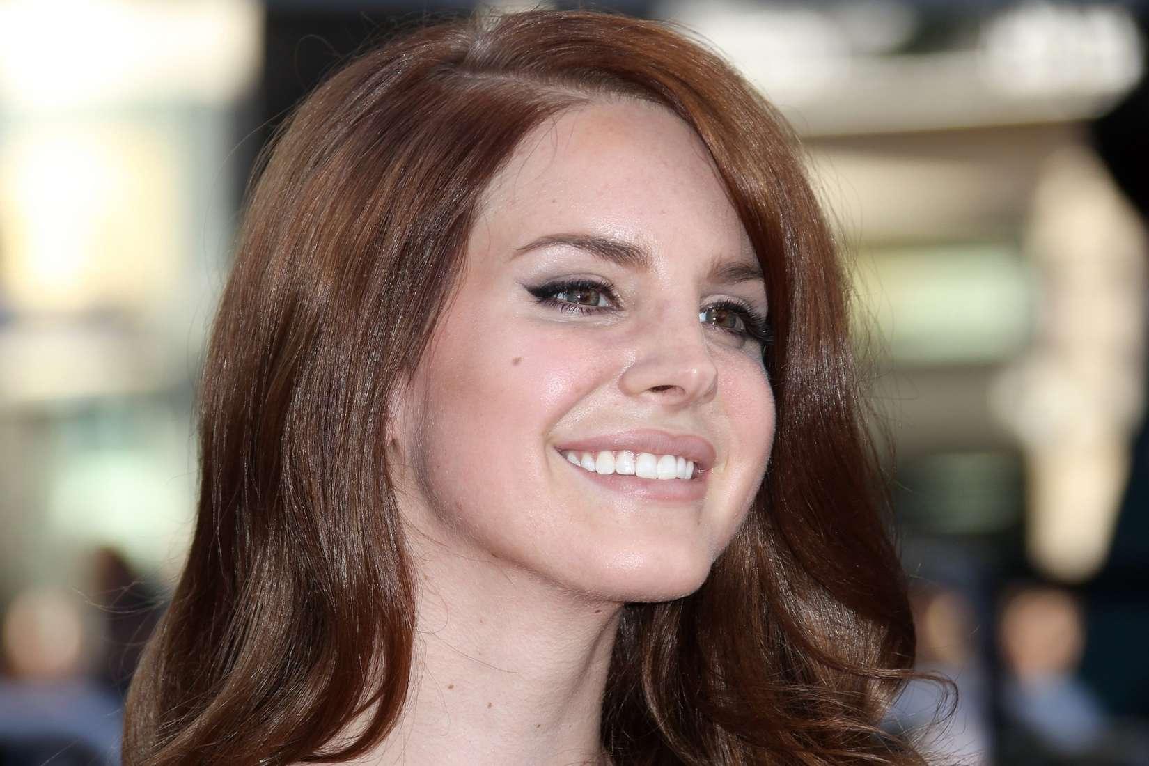 Emma Watson Nose Job Lana Del Rey - 2012 Ca...