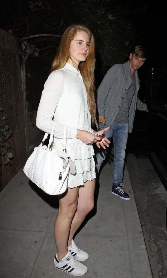lana del rey legs at the chateau marmont 07 gotceleb
