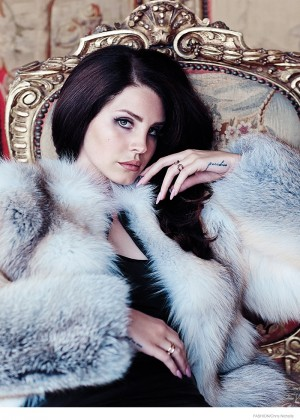 Lana Del Rey: Fashion Canada 2014 -05