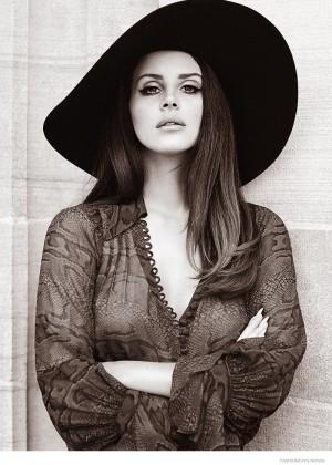 Lana Del Rey: Fashion Canada 2014 -06