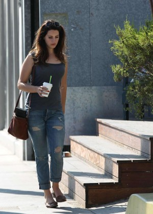 Lana Del Rey in Jeans out in Venice Beach