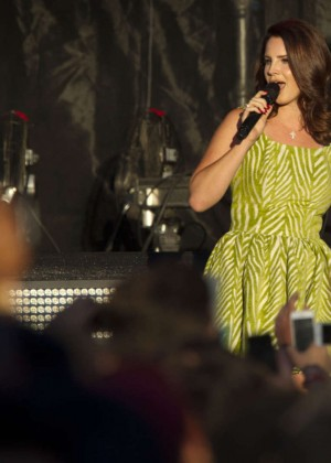 Lana Del Rey - Performs at the Austin City Limits Music Festival in Austin