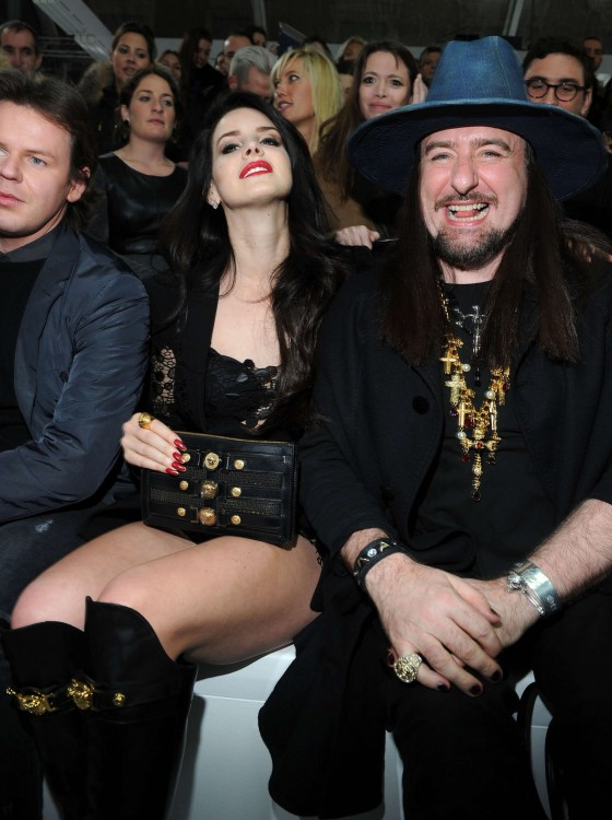 Lana Del Rey – Versace fashion show during Milan Fashion Week 2013-03