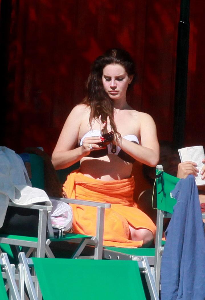 Lana Del Rey Wearing Bikini -06
