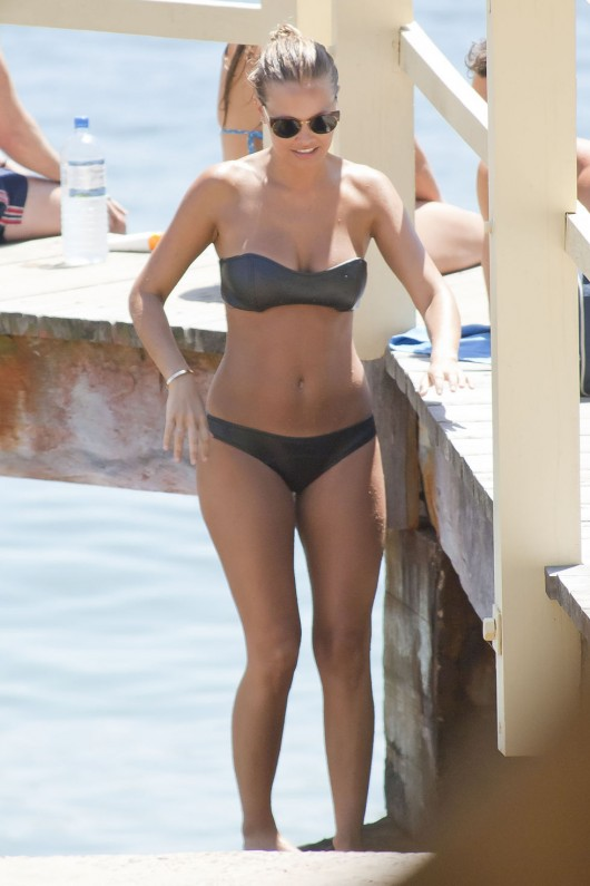 lara-bingle-bikini-on-bondi-beach-in-sydney-13