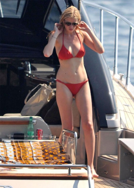 Lara Stone Honeymoon Bikini Pictures