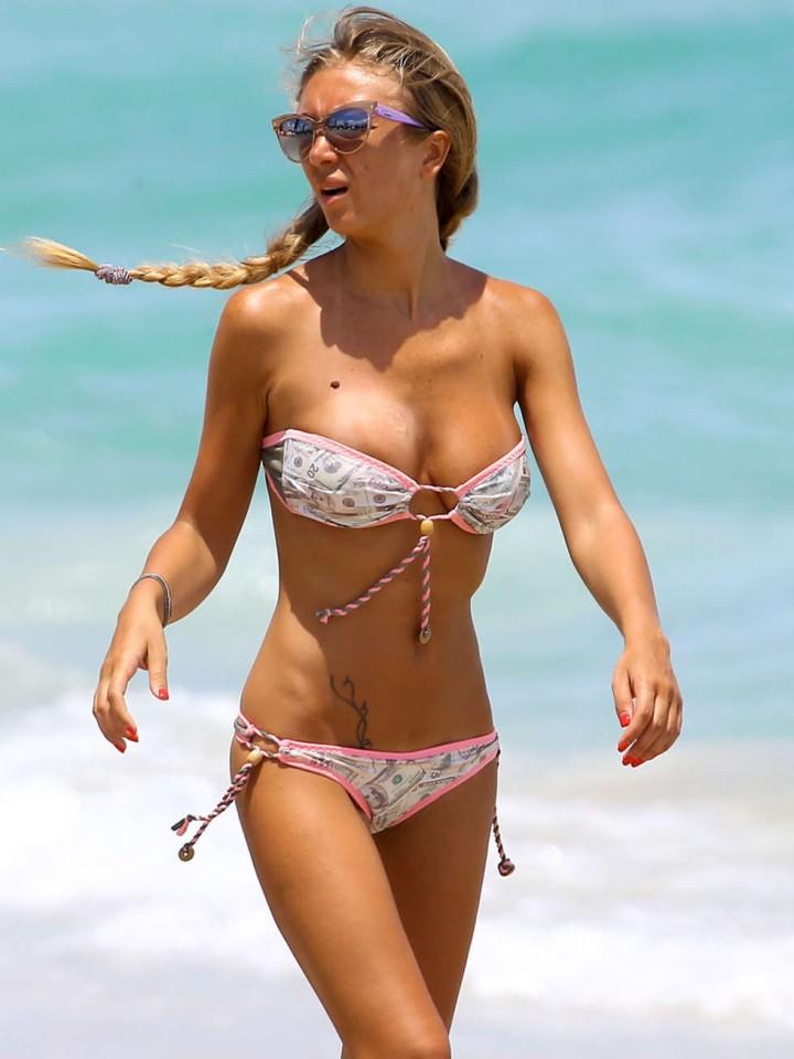 Laura Cremaschi Bikini photos: 2014 Miami -03