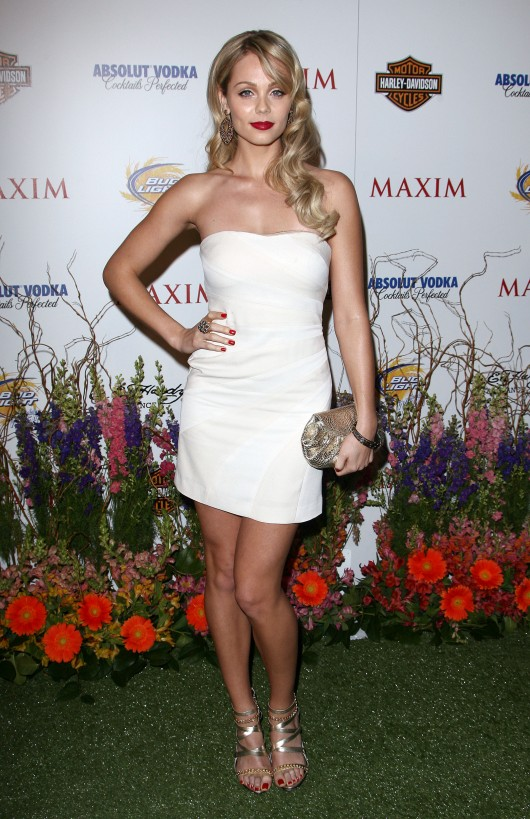 laura-vandervoort-maxim-hot-100-party-04