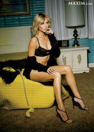 Laura Vandervoort - Maxim Magazine (March 2014)-01