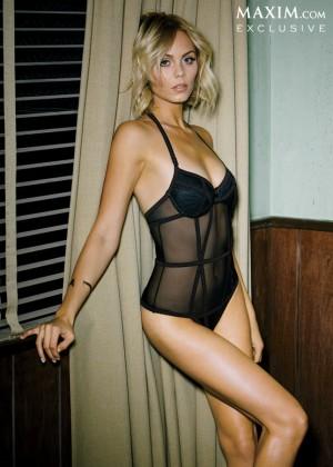 Laura Vandervoort - Maxim Magazine (March 2014)-04