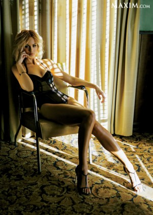 Laura Vandervoort - Maxim Magazine (March 2014)-11