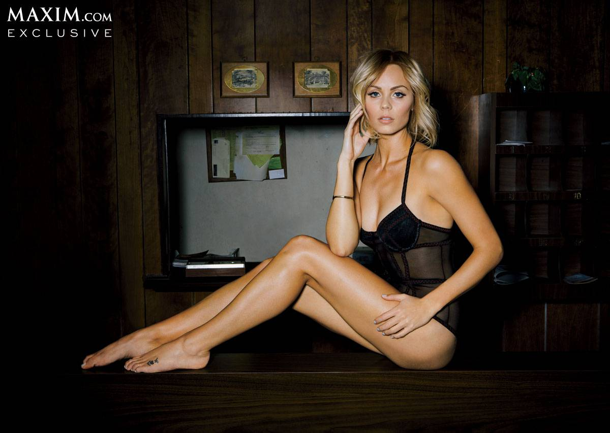 Laura vandervoort out of control