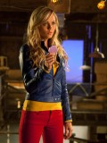 laura-vandervoort-supergirl-smallville-promo-stills-sept-2010-04