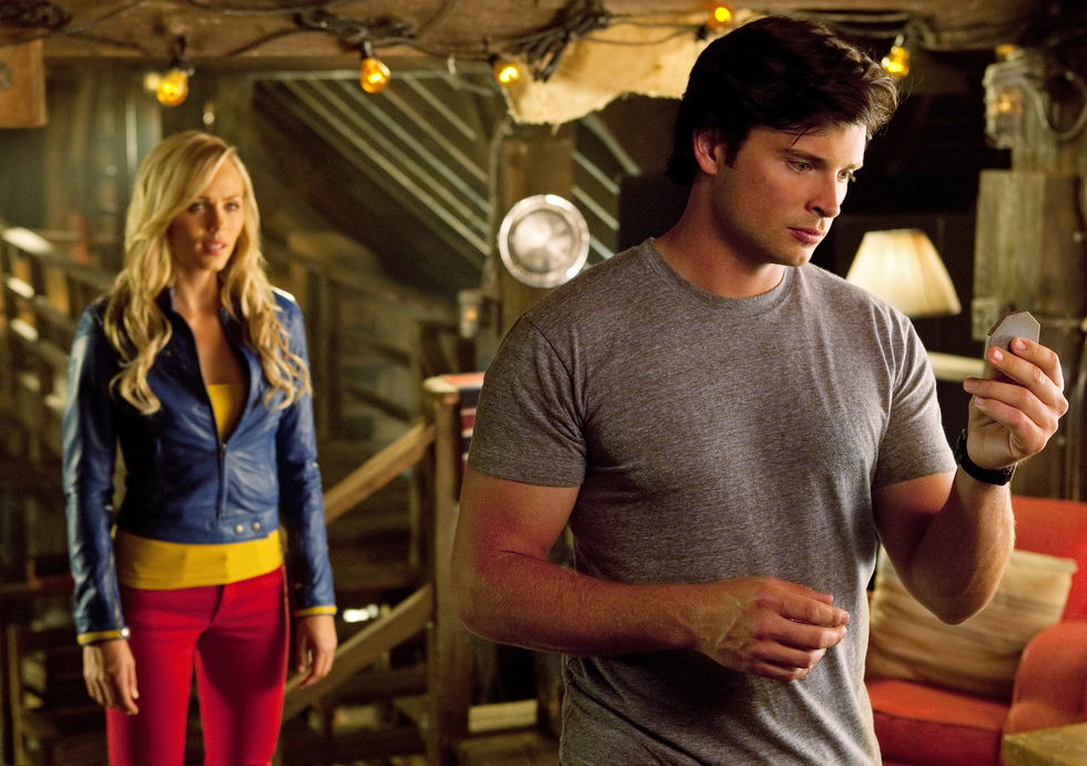 [Series] SUPERGIRL ahora en CW Laura-vandervoort-supergirl-smallville-promo-stills-sept-2010-07