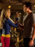 laura-vandervoort-supergirl-smallville-promo-stills-sept-2010-12
