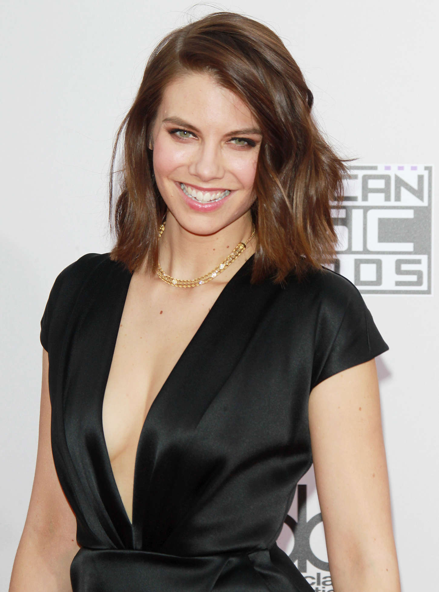 Lauren Cohan 2014 American Music Awards 16 Gotceleb