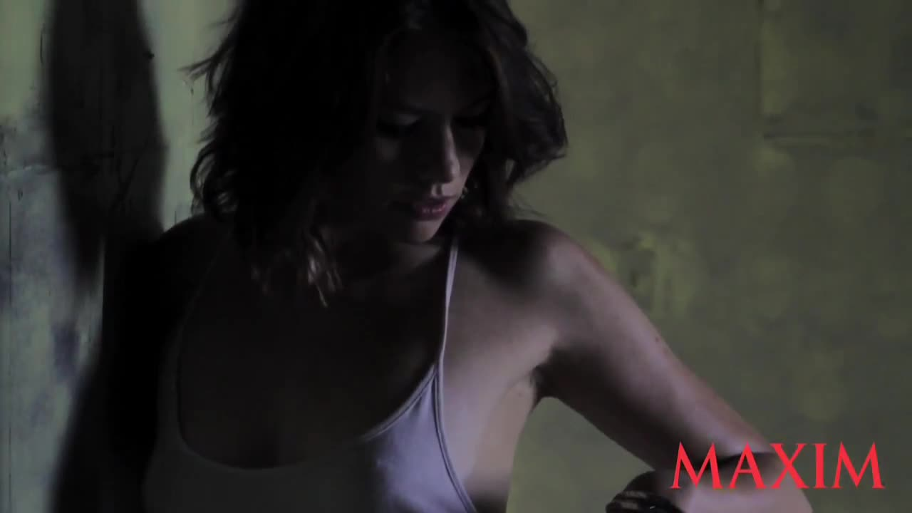 lauren cohan naked photo shoot