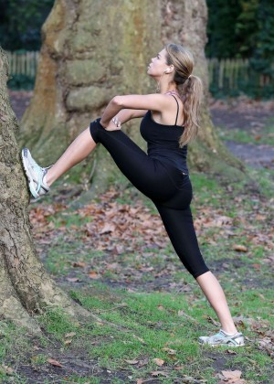 Lauren Riley In Tight Leggings Working Out In A Park in London