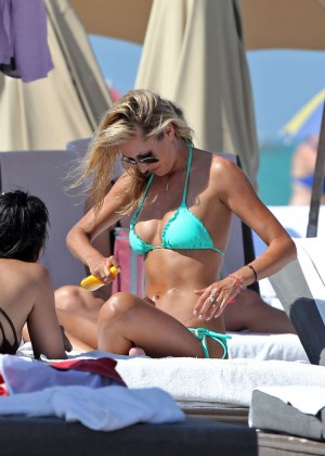 Lauren Stoner Bikini Hot-21