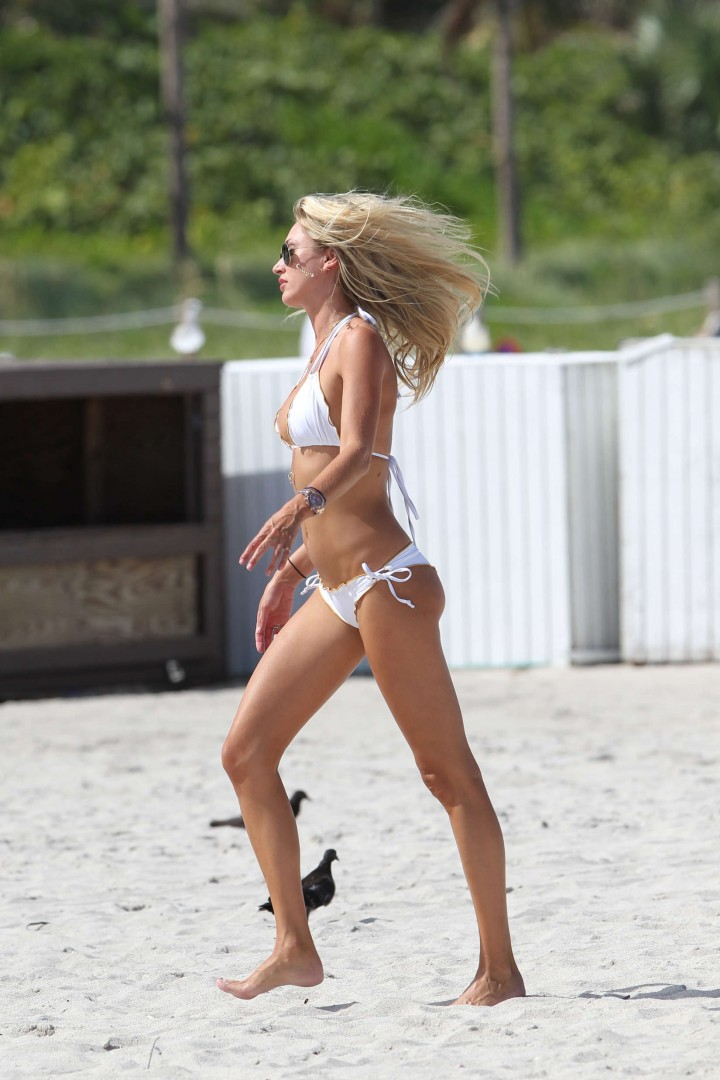 Lauren Stoner - bikini candids on the beach in Miami
