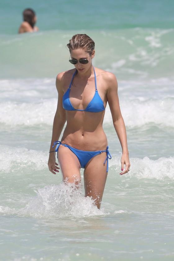 Celebrities in tiny bikinis