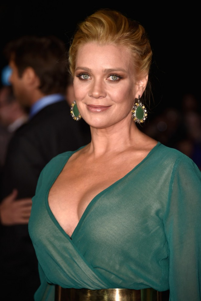 Laurie-Holden:-Dumb-And-Dumber-To-Premiere--03-662x993.jpg