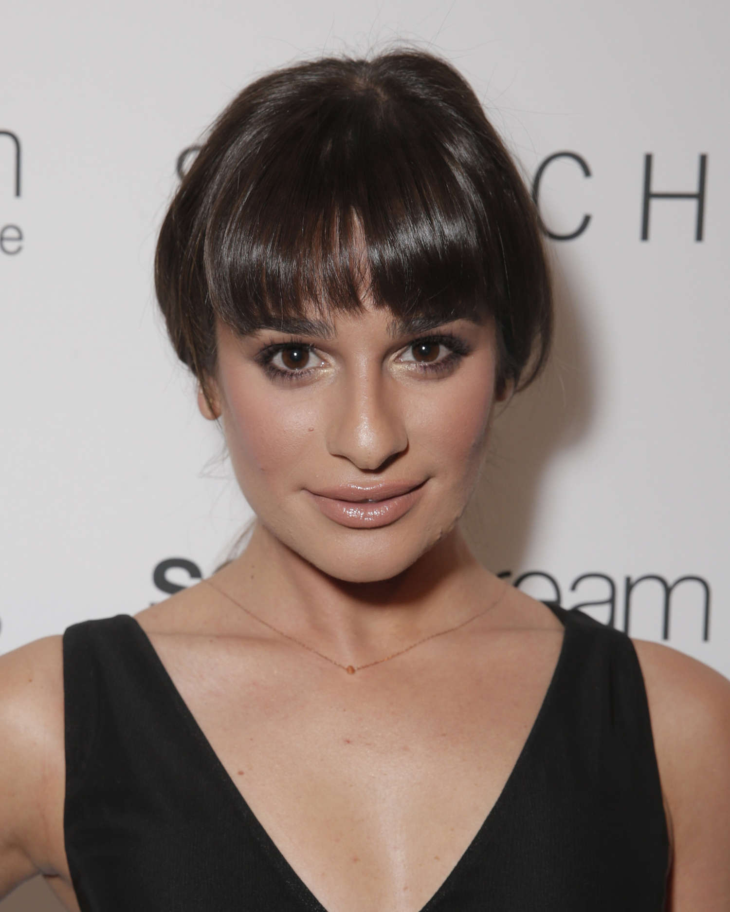 Lea michele t switch boutique holiday party 02 gotceleb for Lea boutique