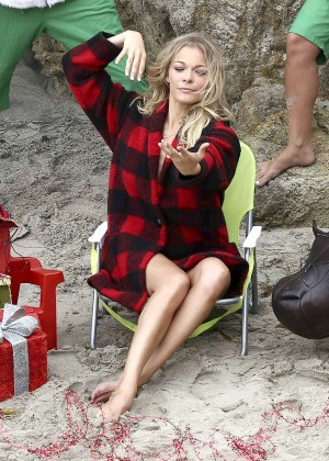 LeAnn Rimes Bikini Photoshoot in Malibu Beach -35