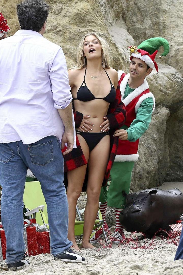 LeAnn Rimes Bikini Photoshoot in Malibu Beach -37