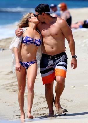 LeAnn Rimes in bikini -05