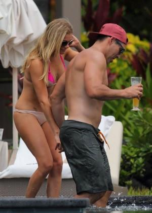 LeAnn Rimes in bikini -06
