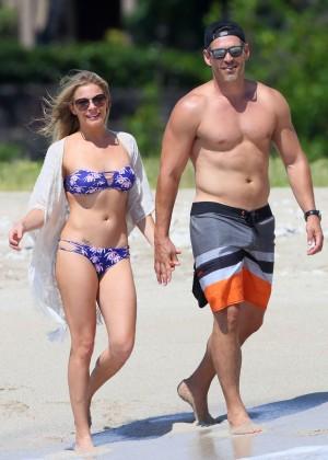 LeAnn Rimes in bikini -10