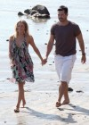 leann-rimes-on-the-beach-in-malibu-04