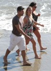 leann-rimes-on-the-beach-in-malibu-08