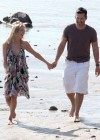 leann-rimes-on-the-beach-in-malibu-09
