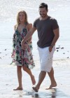 leann-rimes-on-the-beach-in-malibu-13