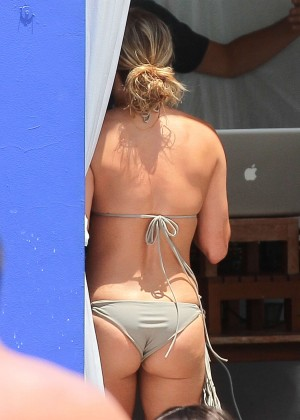 LeAnn Rimes bikini in Miami -08