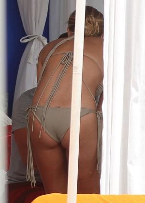 LeAnn Rimes bikini in Miami -15