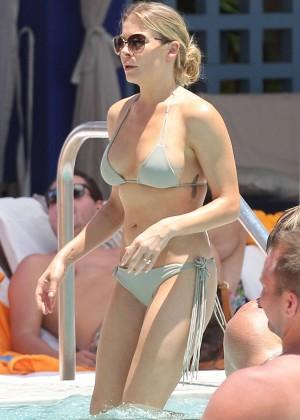 LeAnn Rimes bikini in Miami -20