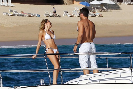LeAnn Rimes – wearing a bikini on a boat in Mexico-08