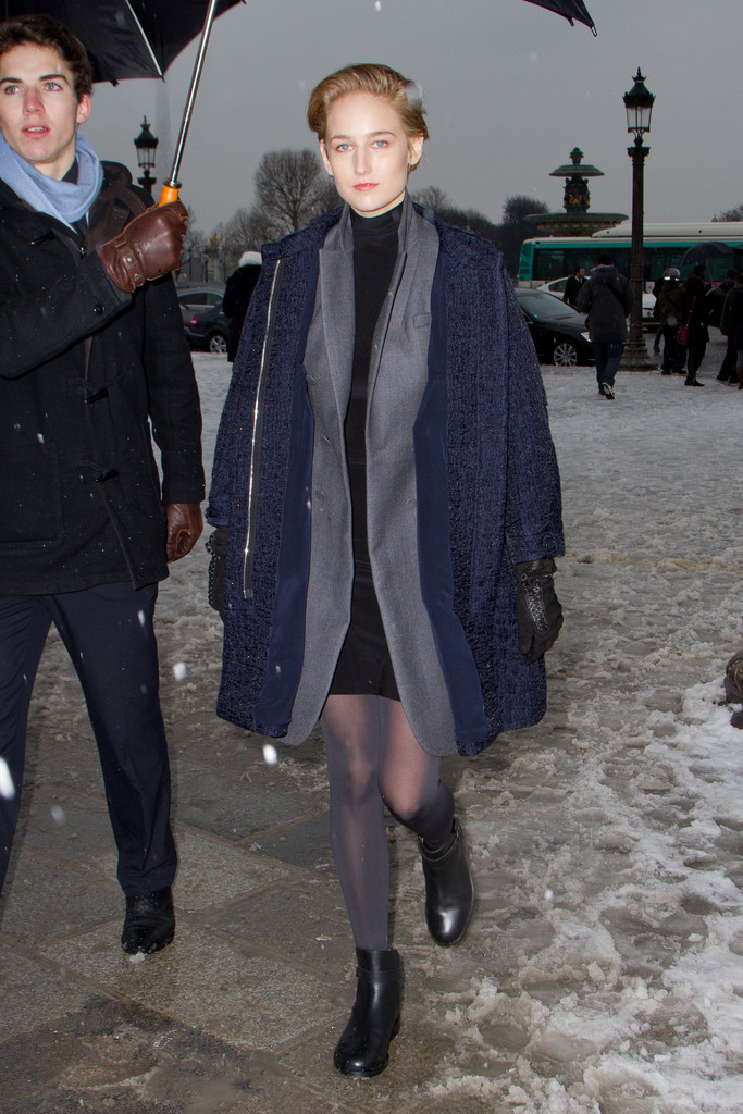 Leelee Sobieski At Paris Fashion Week 02 Gotceleb