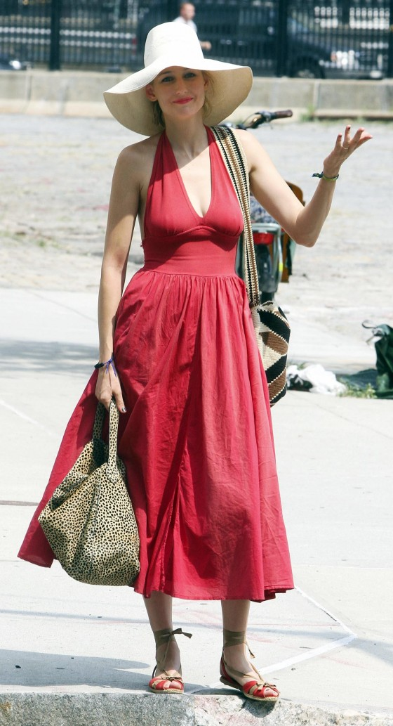 Leelee Sobieski 2011 : leelee-sobieski-hot-in-a-long-red-dress-tribeca-09