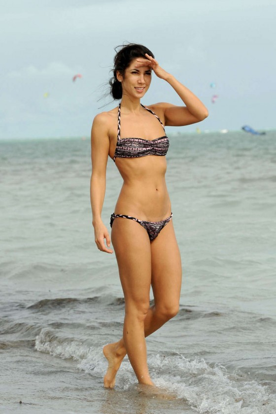 Leilani Dowding Show Her Bikini Body on Miami Beach-05