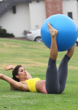 Leilani Dowding in Leggings Work Out -03