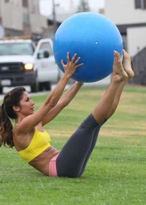 Leilani Dowding in Leggings Work Out -18