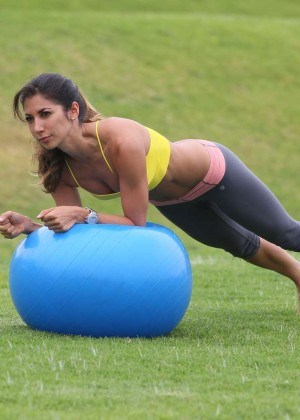 Leilani Dowding in Leggings Work Out -22