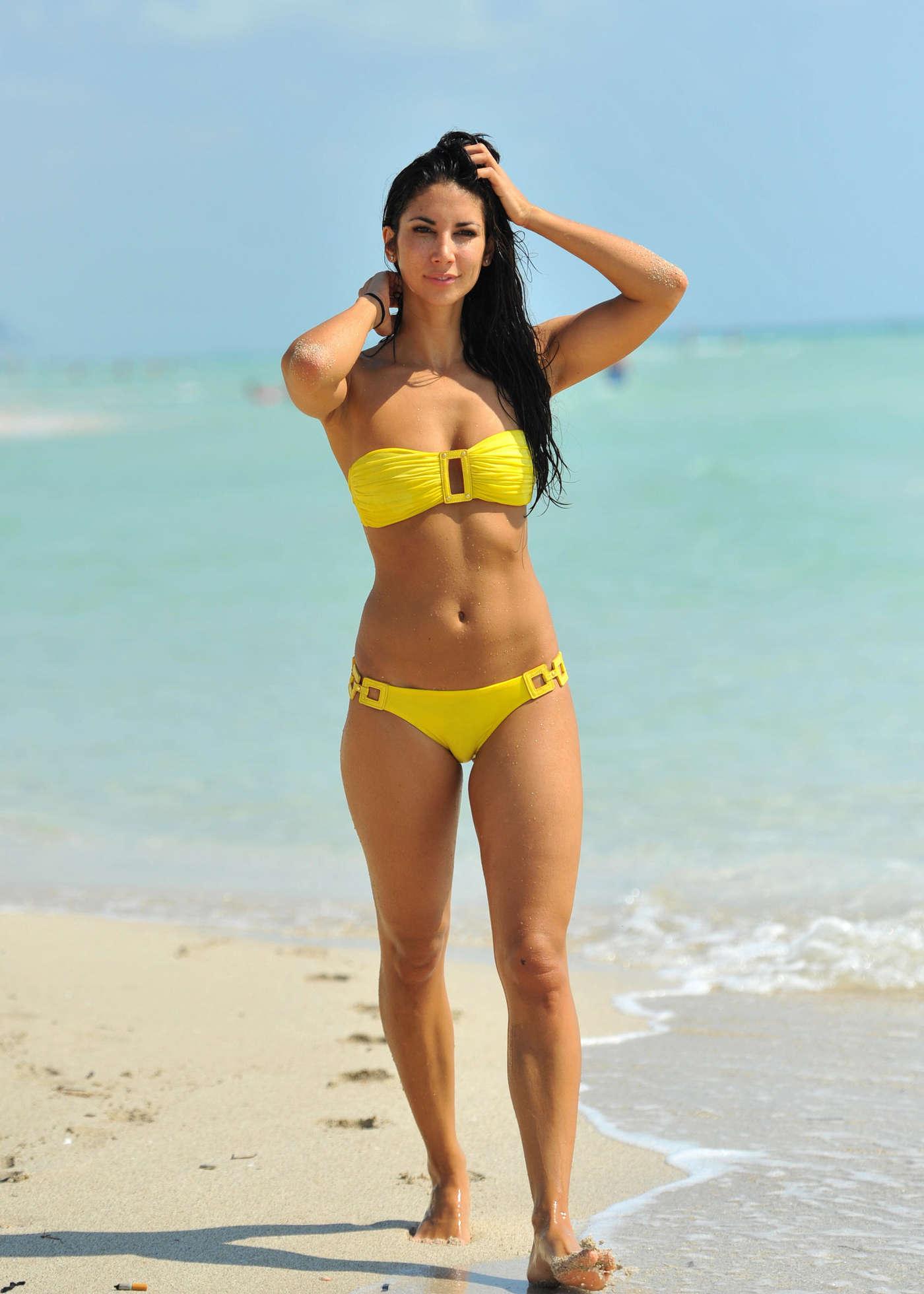Bikini Pics 112